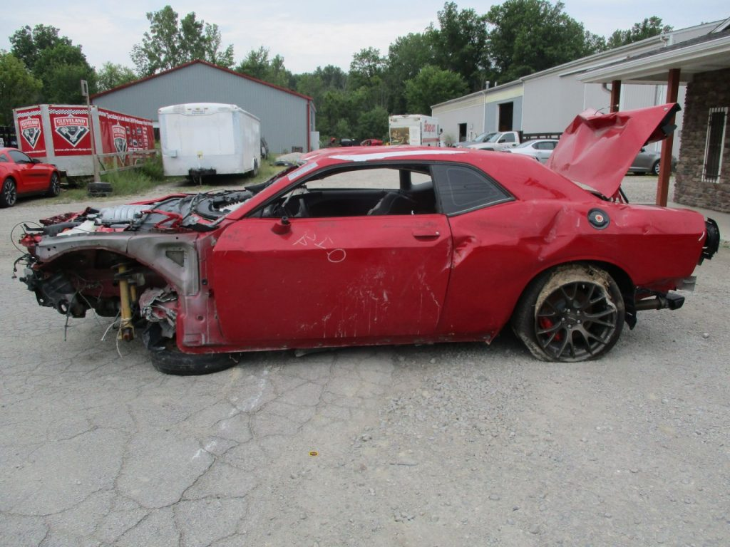 28th SRT Hellcat Wreck - 2015 Challenger Manual ...