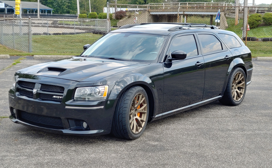 MAGNUM SRT  SUPERCHARGED 6.4L MANUAL TRANS